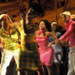 Al ritmo di tamburi, flauti e violini, danzavano le coppie… Alejo Carpentier